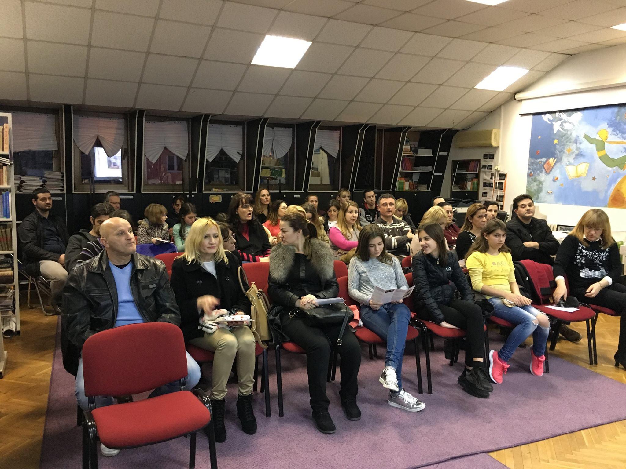 """Održana je prva tribina u okviru kampanje """"Informacijom protiv digitalnog nasilja"""" u Beogradu"""